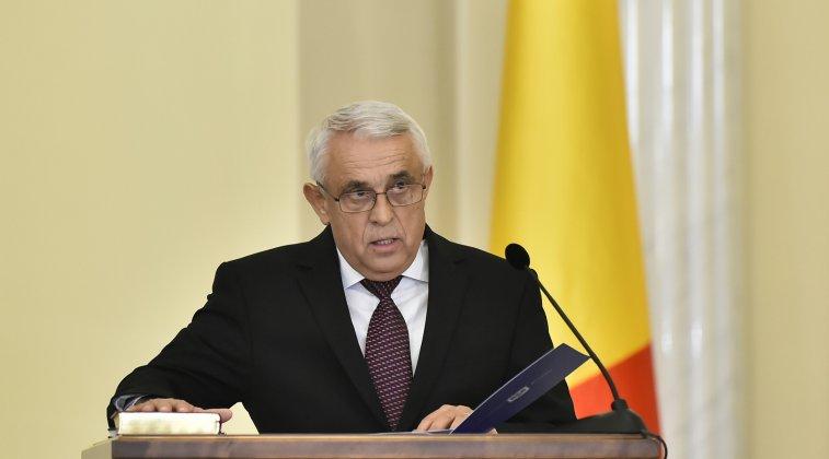 Premierul Mihai Tudose face glume pe seama oii ministrului Petre Daea