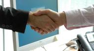 Actionarii BVB care se retrag inainte de fuziunea cu Sibex primesc cu 5% mai mult decat pretul din piata