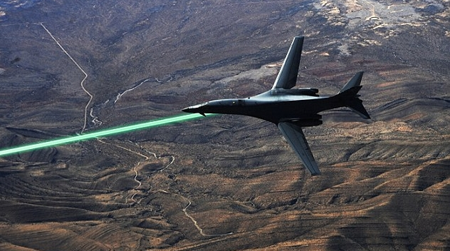 Rusia va avea avioane de lupta rupte din Star Wars