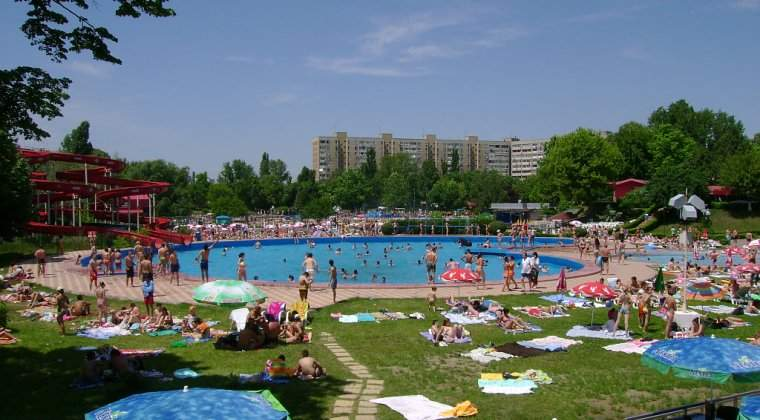 Meteo: Temperaturi de peste 35 de grade in Bucuresti, pana saptamana viitoare. Posibile averse si descarcari electrice, de luni