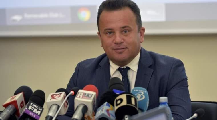 Ministrul Educatiei: Profesorii vor fi cei care vor decide daca folosesc sau nu manualul la ora de sport