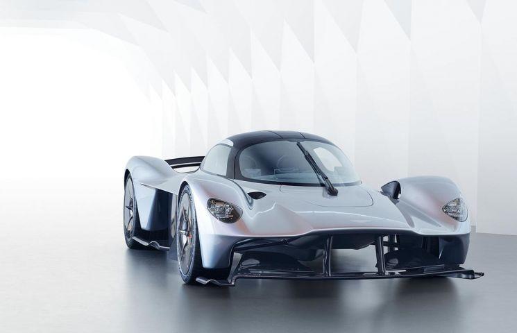 Aston Martin a prezentat noua caroserie a modelului Valkyrie