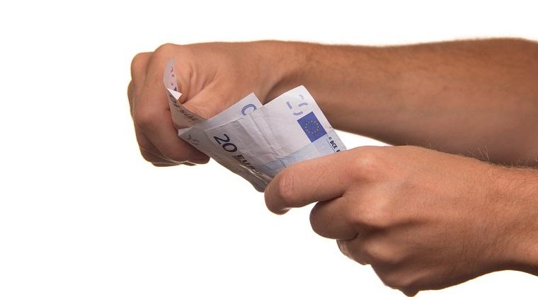 Money - Top 10 fonduri de investitii in care cei mai multi romani isi tin banii. Anul viitor se vor chinui sa bata inflatia