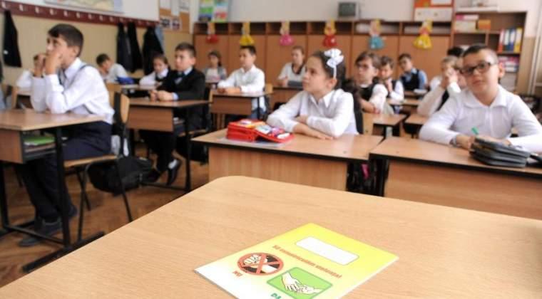 Mihai Sora: Tot ce se intampla legat de manualele scolare sta sub semnul amatorismului, al nepriceperii infatuate