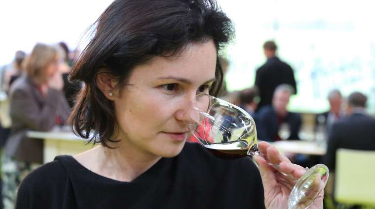 Povestea Anei Sapungiu, singura romanca Master of Wine: ce inseamna sa ai cea mai prestigioasa calificare in degustarea si alegerea vinurilor