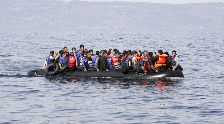Nava cu aproximativ 100 de imigranti ilegali, interceptata in zona Vama Veche - 2 Mai