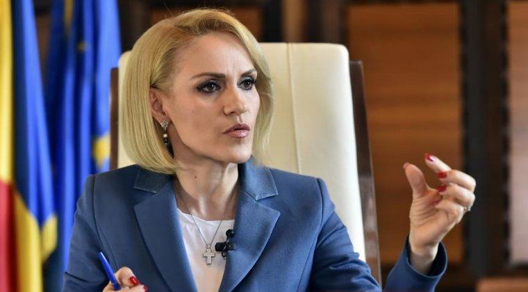 """Gabriela Firea vrea sa """"serveasca contracte"""" fara licitatii firmelor din subordine"""