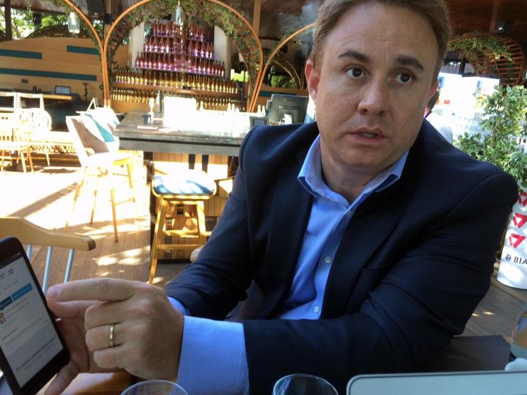 A stat la aceeasi masa cu Jack Ma, acum intra in Romania cu business-ul eCommerce