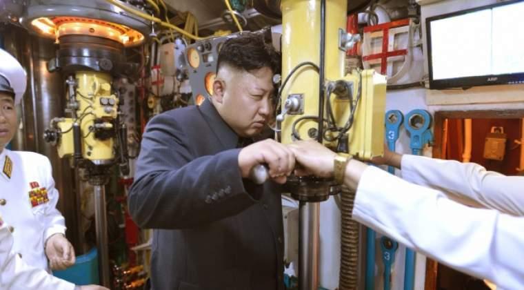 """Kim Jong-un anunta ca se apropie de detinerea armei nucleare si ca vrea """"un echilibru de forte"""" cu SUA"""