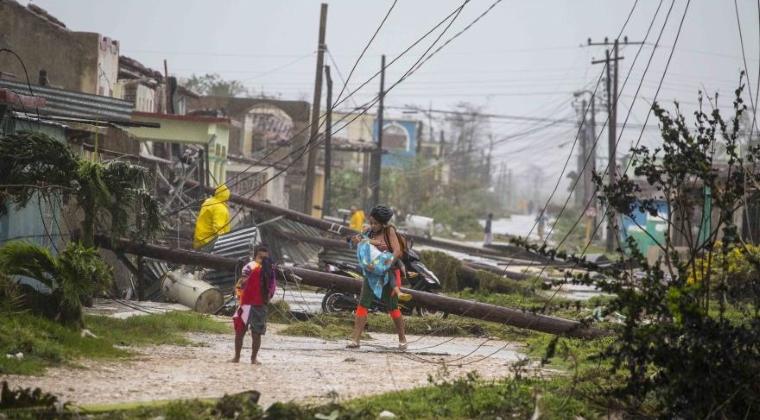 Furtuna tropicala Norma se transforma in uragan in timp ce se apropie de Mexic