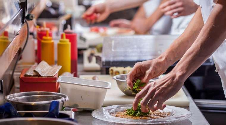 HORA: 60% dintre restaurantele, barurile si cafenele din Romania dau faliment in primele 9 luni de la deschidere