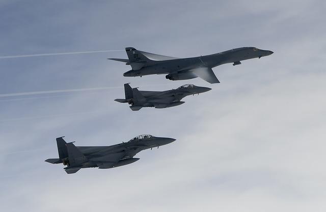 Bombardiere americane in largul coastei de est a Coreei de Nord, o manifestare de forta a Pentagonului