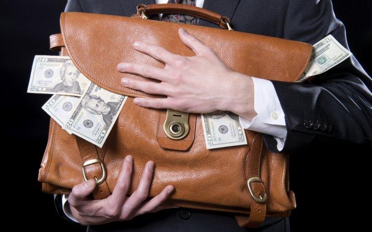 Marcel Vulpoi: Nu vei atrage investitorii daca iti platesti vacantele si iti cumperi bunuri din banii societatii