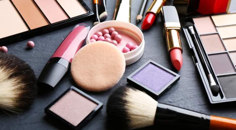 Coty a achizitionat drepturile exclusive de licenta asupra produselor cosmetice si a parfumurilor de lux Burberry Beauty