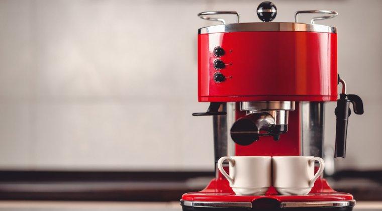 Reduceri la espressoare: 4 modele cu pana la 45% mai ieftine