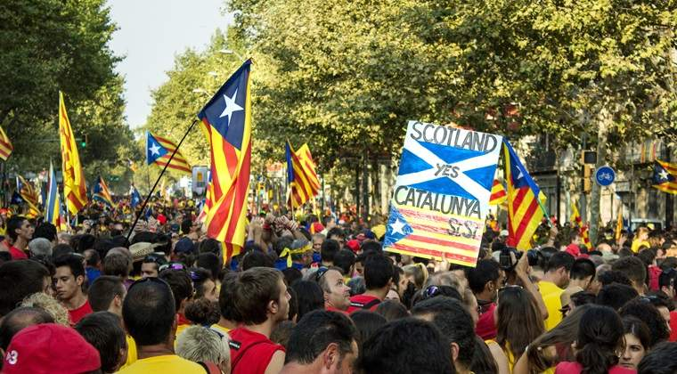 Manifestatii in Barcelona: aproape 1 milion de oameni, in strada pentru unitatea Spaniei