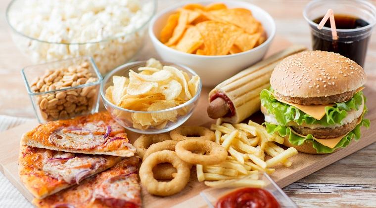 De la lupa cu patiseriile de cartier, pe bursa. Piata fast-food inaintea 'listarii' KFC