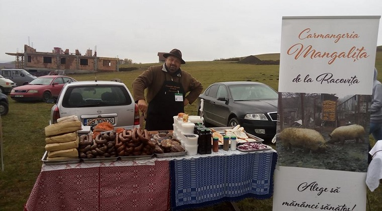 De ce s-a apucat Dan Limbasan, fost administrator la Ambient, sa creasca porci de Mangalita?