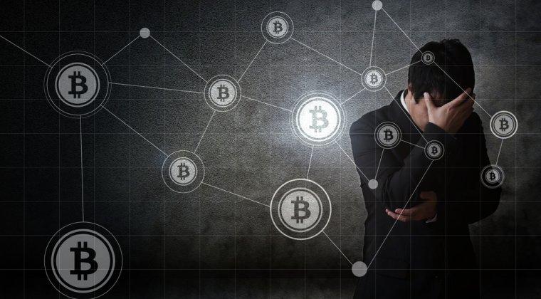 """Bitcoin atinge un nou maxim istoric. Un IT-ist si-a vandut casa si bunurile pentru a cumpara monede, acum sta in camping si asteapta """"boom-ul"""""""