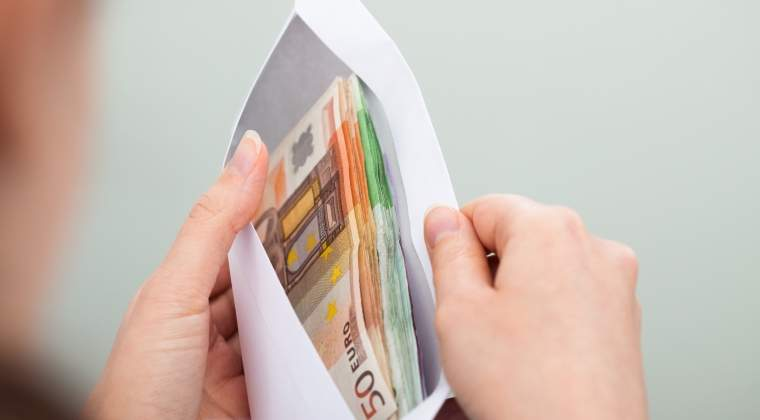 Sef la Autoritatea Vamilor, mita de un milion de euro