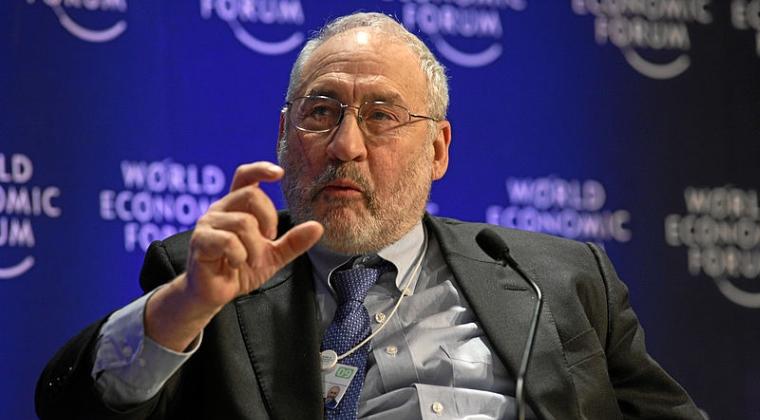 """Castigator al premiului Nobel pentru economie: Bitcoin """"trebuie sa fie scos in afara legii"""""""
