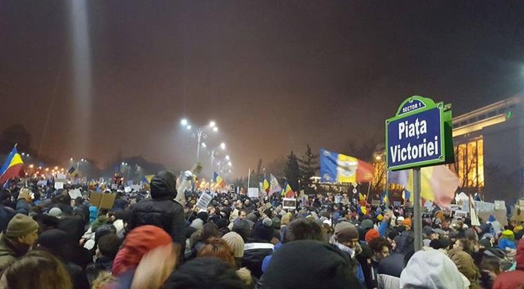 Parlamentarii USR din Bucuresti vor protesta in strada contra targului de Craciun din Piata Victoriei