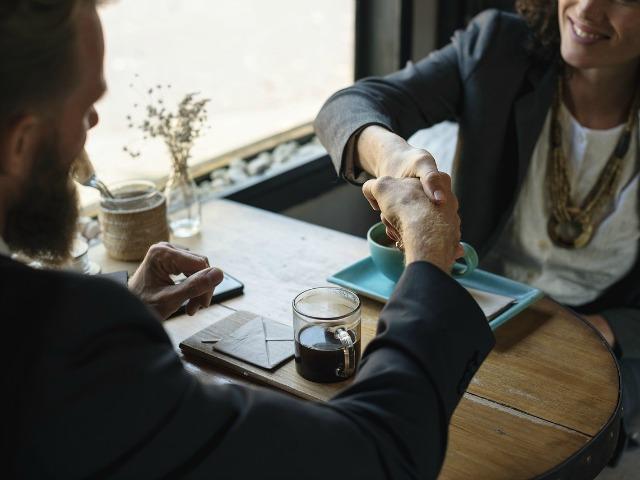 Companii - (P) eJobs: Brandul de angajator nu se creeaza dintr-o data, ci in 5 pasi rigurosi