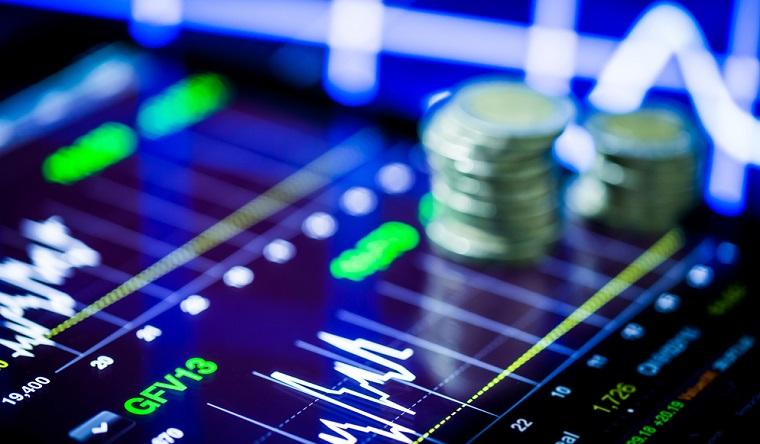 Cazacu, XTB: Bursele au revenit cu picioarele pe pamant. O noua crestere ar fi pur speculativa in 2018