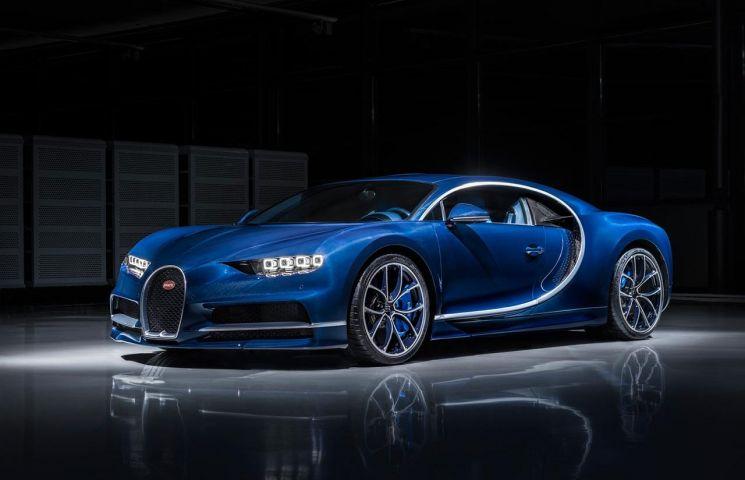 7 curiozitati despre Bugatti: Chiron are atata fibra de carbon ca poti inconjura Terra!