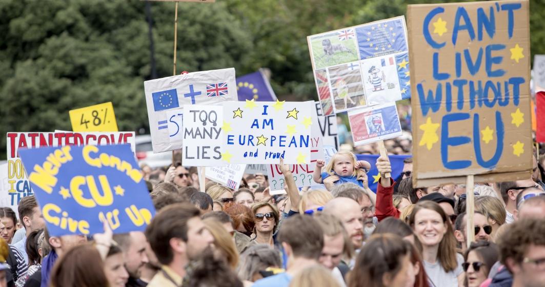 londra-manifestatie-pentru-un-nou-referendum-asupra-brexit-la-apelul-peoples-vote-o-miscare-militanta-pentru-un-vot-popular