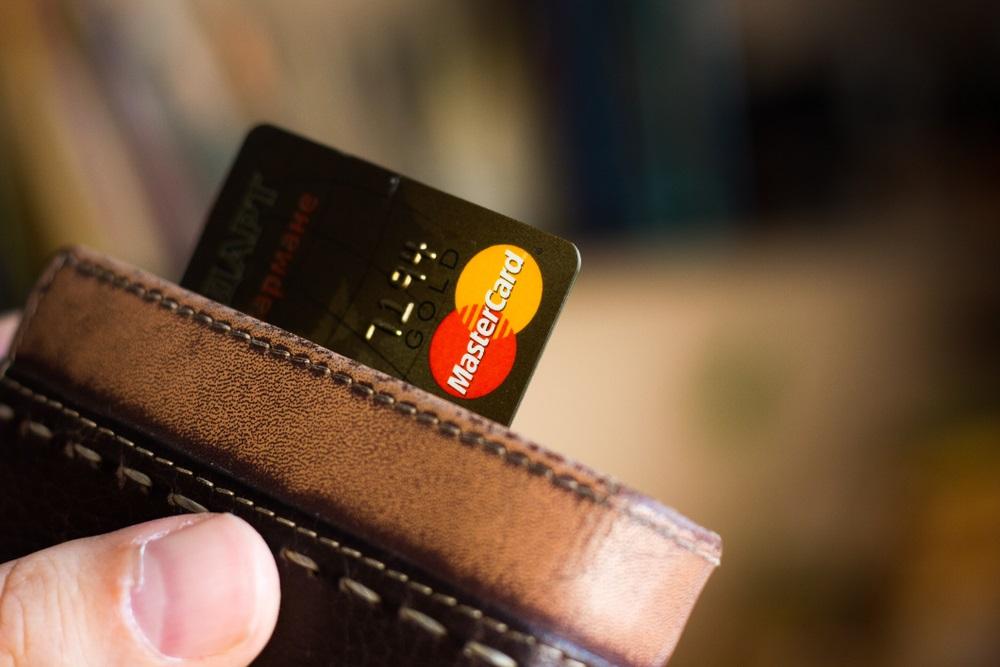 (P) Importanta platilor electronice. Provocarile si oportunitatile economiei digitale de astazi