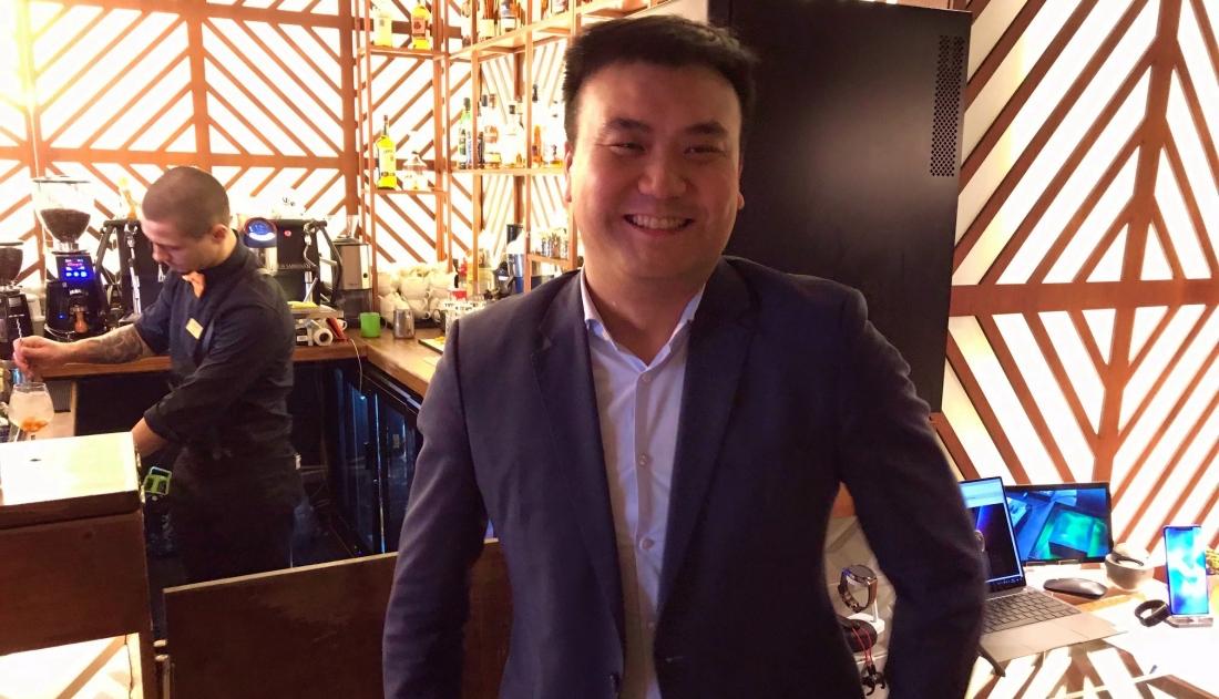 La masa cu seful Huawei Romania: Aducem laptop-uri, extindem magazinele fizice