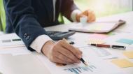 INS: Managerii estimeaza cresteri ale activitatii si ale numarului de salariati in constructii, comert si servicii