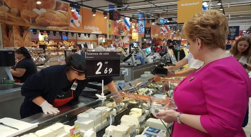 Carrefour reinvie comertul de alta data: produse vrac si sticle si borcane returnabile