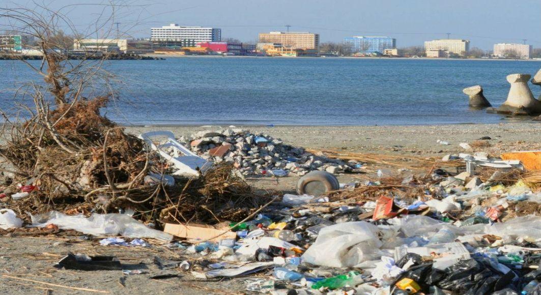 Kaufland si Act for Tomorrow incep programul de curatare de deseuri a litoralului Marii Negre si a apelor din tara