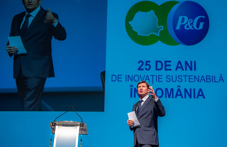 P&G deschide o noua fabrica, in Urlati, in 2021. Va produce capsule de detergent si este cea mai mare investitie a companiei in Romania