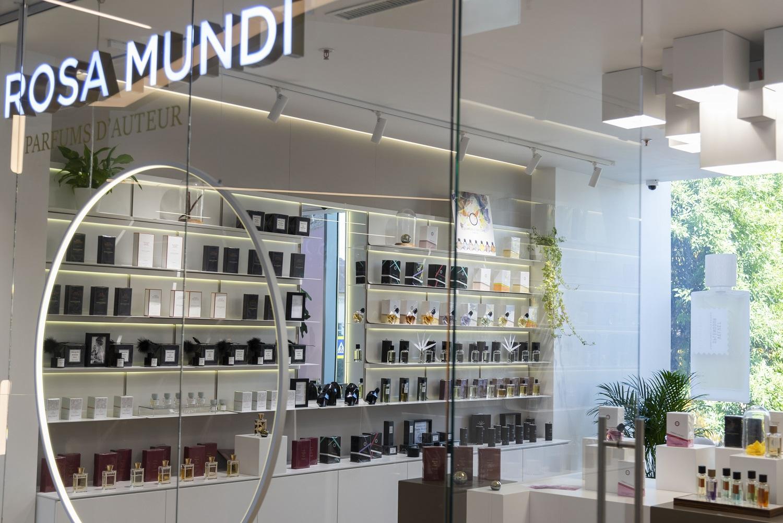 INTERVIU Nick Steward, Gallivant, despre placerea de a hoinari prin orase si printre parfumuri artizanale