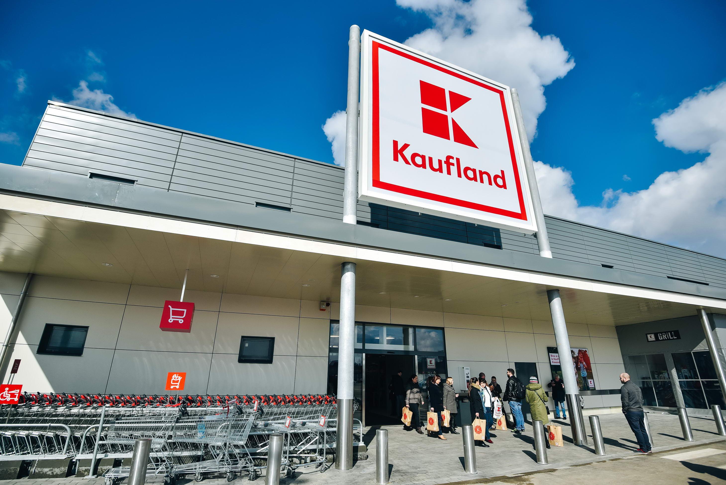 Kaufland: Programul magazinelor de Craciun si de Anul Nou