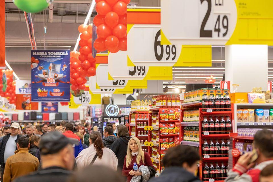Programul Carrefour de sarbatori: magazinele sunt inchise de Craciun si Anul Nou