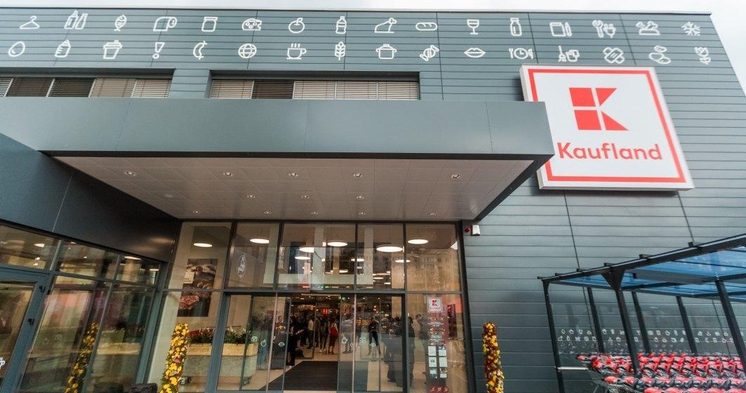 Clientii Kaufland reclama ca au gasit in magazine produse expirate, alimente cu denumiri inselatoare si diferente intre preturile de la raft si cele de la casa de marcat