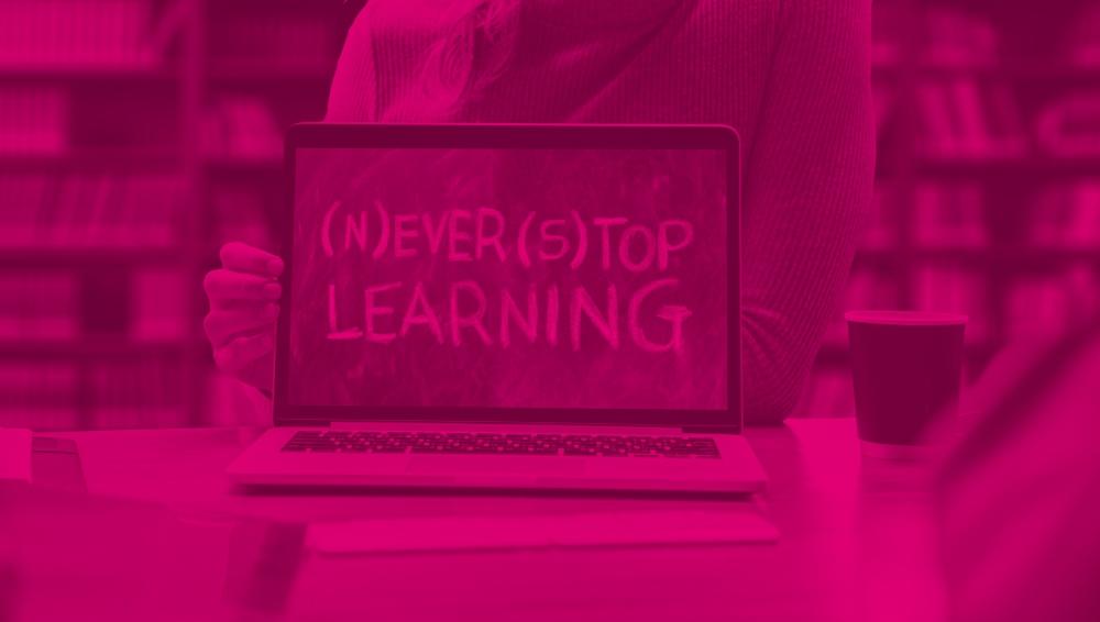 Telekom oferă gratuit internet 4G și licențe în platforma educațională Adservio, profesorilor, elevilor și părinților, până la finalul anului
