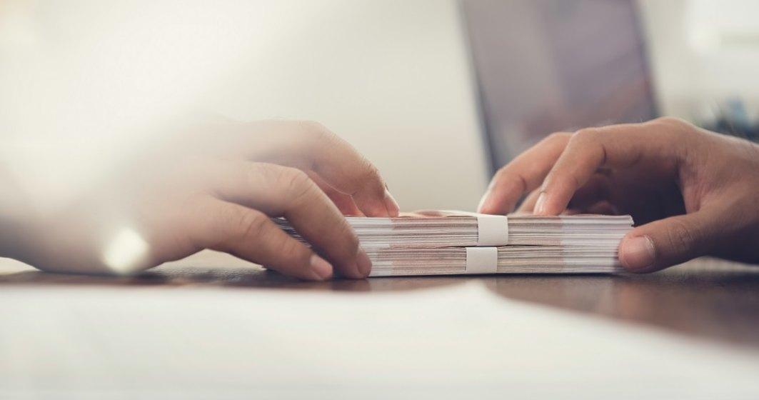 Anghel (ANPC): Propun amânarea cu 90 de zile a plăţii ratelor bancare din perspectiva afectării interesului economic al consumatorului