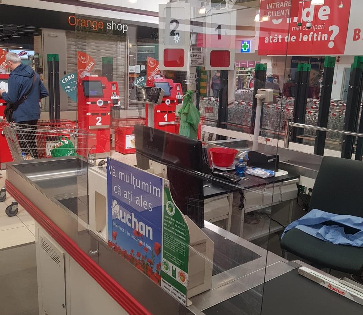 Coronavirus | Magazinele Auchan rămân deschide în programul normal. Au fost suplimentat măsurile de protecție