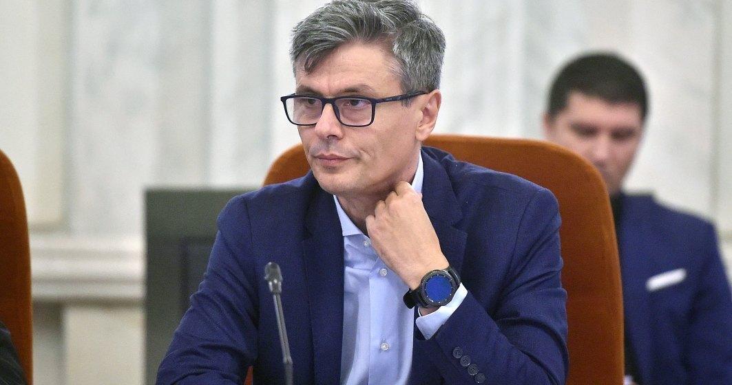 Ministrul Economiei: România va produce de săptămâna viitoare 150.000 de măști de protecție pe zi
