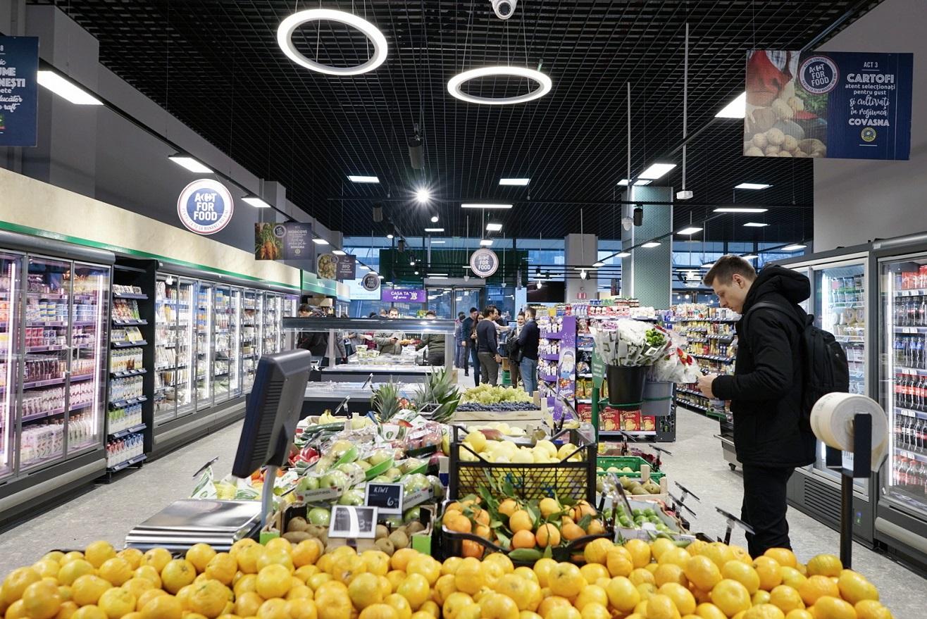 Pandemia de COVID-19 nu a schimbat planurile de recrutare ale Carrefour | Retailerul angajează personal în magazinele și în sediul central din România
