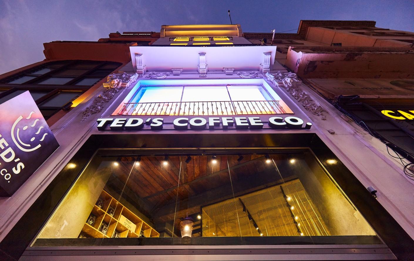 Ted'sCoffeecontinuă investițiile în timpul pandemiei și dechide noi cafenele în București și Arad