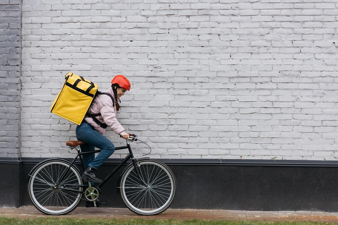 BeeFast: cât câștigă un curier pe bicicletă în București