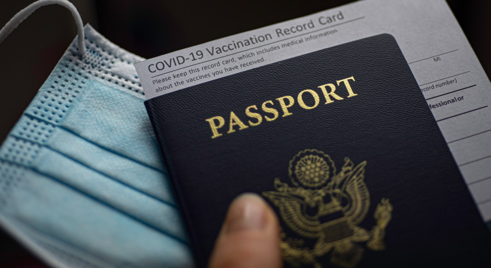 Avertisment OMS: Aeroporturile să nu ceară călătorilor adeverințe de vaccinare anti-COVID-19