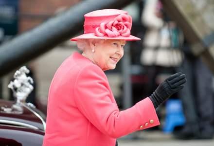 Ce gluma a facut Regina Angliei in prima iesire dupa votul pentru iesirea din UE