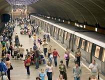 Circulatia metroului a fost...
